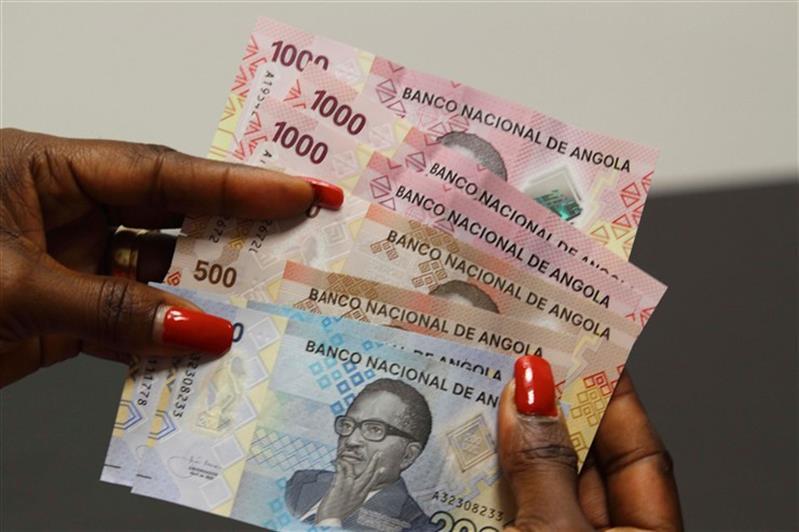 Futuro incerto para o kwanza depois da aprovação da norma do aumento das RIL