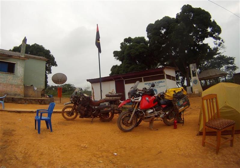 AGT investe mil milhões de kwanzas em armazéns aduaneiros na Zona do Luvo