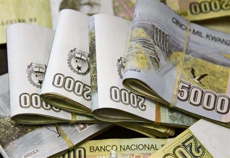 Kwanza encerra Dezembro com recuperação de 6% face ao dólar depois de sessões de ganhos e perdas